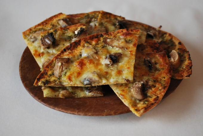 Pesto Flatbread Pizza Recipe