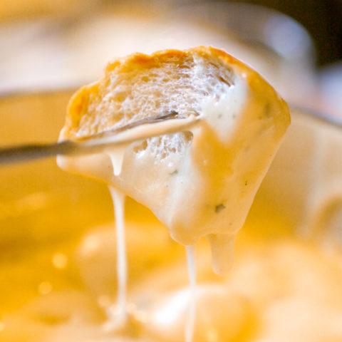 Melting Pot Copycat Beer Cheese Fondue