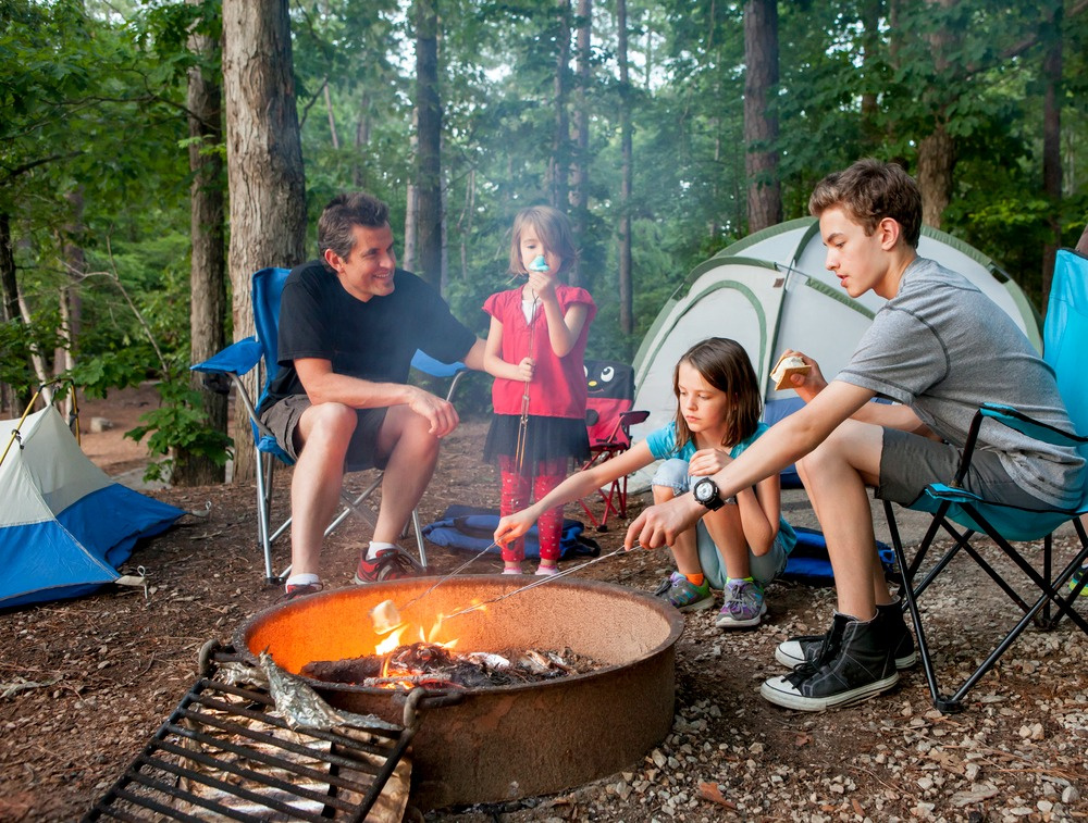 Fun camping games are a great way to keep boredom at bay. That way you don't want to strangle your kids!