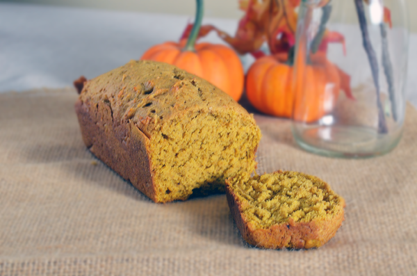 Pumpkin Bread Mini Loaves That Make the Best Thanksgiving Hostess Gifts