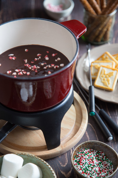 chocolate-peppermint-fondue-image
