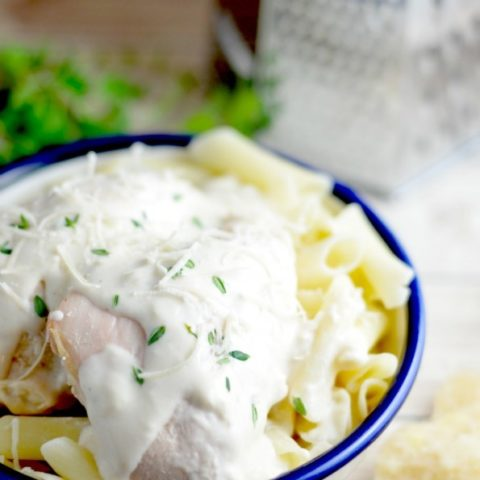 Need something quick and easy for dinner? This dump chicken reicpe is perfect for that! Dinner is saved!