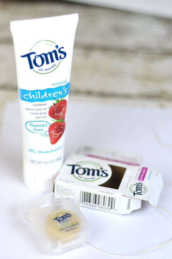 Life hacks using dental floss are some of the best ways to get things done when you don't have what you need.