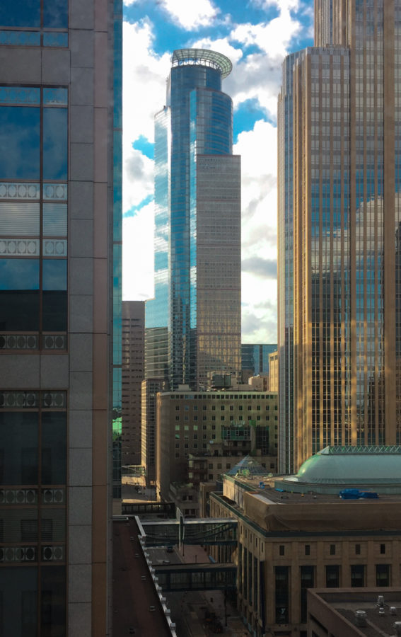 Looking for a place to stay in Minneapolis? The Embassy Suites Downtown Minneapolis is an amazing choice for your next trip to the Twin Cities! AD