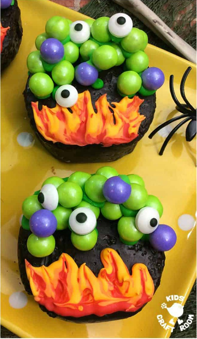 These easy halloween cupcakes are some of the best Halloween cupcake ideas on the Internet. Fun, creepy and tasty!