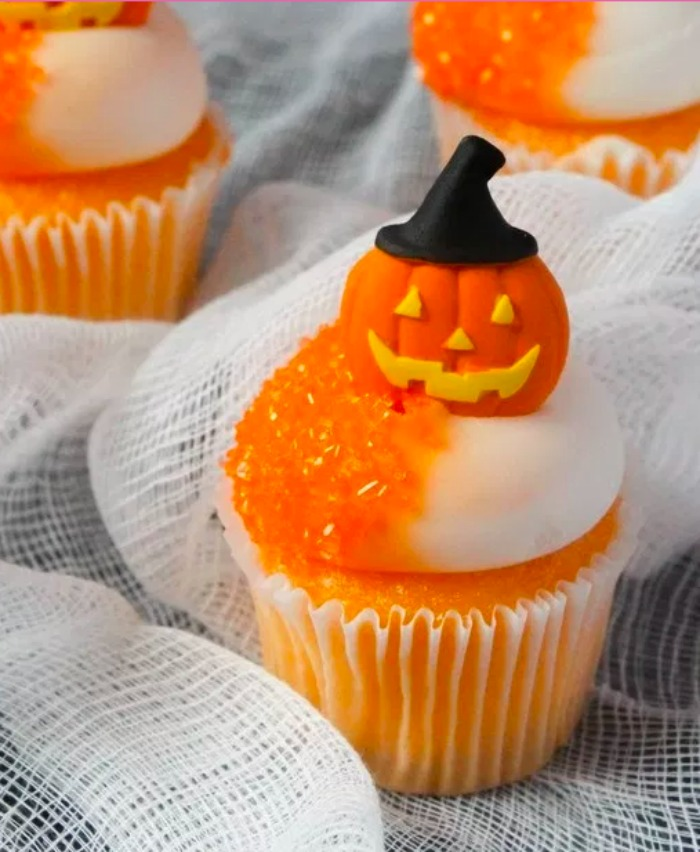 These cute Halloween cupcake ideas are a fun way to celebrate your ghoulish sweet tooth.