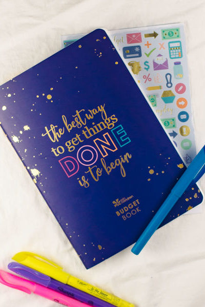 This Erin Condren Budget book is awesomesauce. Read here to see why it's the only budget book for you!
